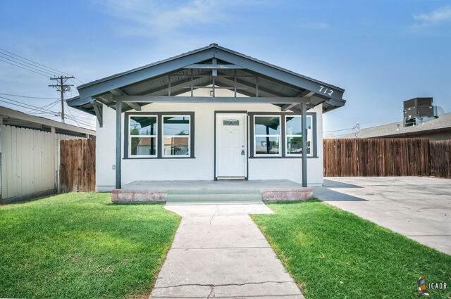 712 S 5Th St, El Centro, CA 92243 (MLS #21764940IC) :: Duflock & Associates Real Estate Inc.
