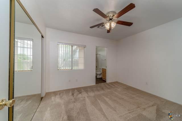 888 Oleander Ave, El Centro, CA 92243 (MLS #21765372IC) :: Capital Real Estate