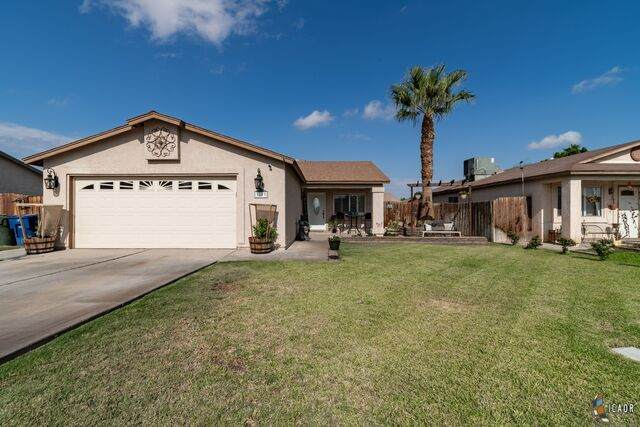 1003 Eucalyptus Ave, Brawley, CA 92227 (MLS #21765712IC) :: Capital Real Estate