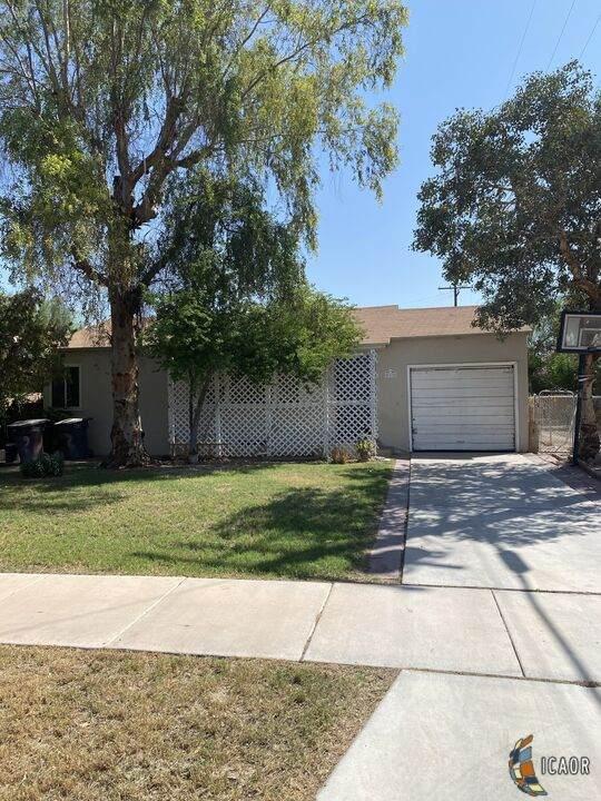 812 Heffernan Ave, Calexico, CA 92231 (MLS #21769586IC) :: Capital Real Estate