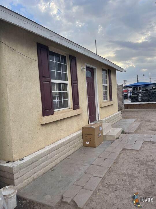 310 W Birch St, Calexico, CA 92231 (MLS #21779896IC) :: DMA Real Estate