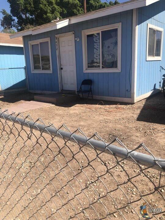 700 E B St, Brawley, CA 92227 (MLS #21785464IC) :: Duflock & Associates Real Estate Inc.