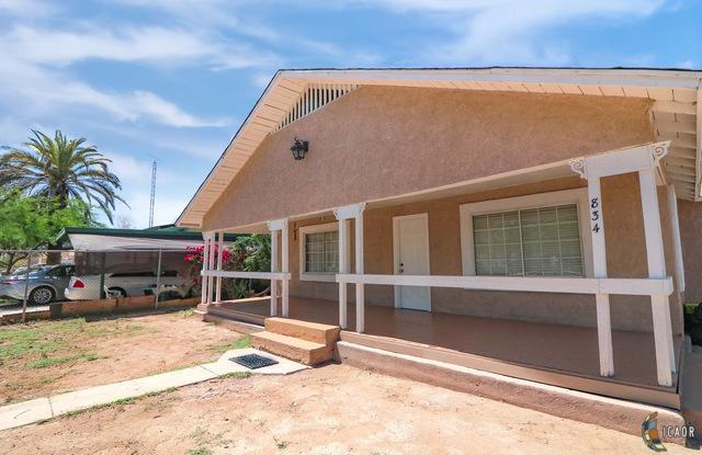 834 El Centro Ave, El Centro, CA 92243 (MLS #19470812IC) :: DMA Real Estate
