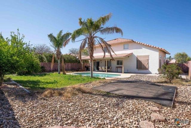 628 Yucca St, Imperial, CA 92251 (MLS #20568754IC) :: DMA Real Estate