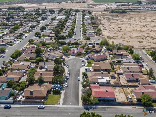 980 A Heller Ct, Calexico, CA 92231 (MLS #20573514IC) :: DMA Real Estate