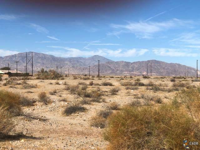 2537 Desert Dr - Photo 1