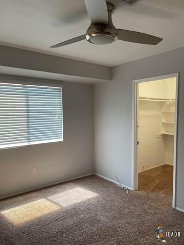 1034 S 8Th St, El Centro, CA 92243 (MLS #21749770IC) :: Capital Real Estate