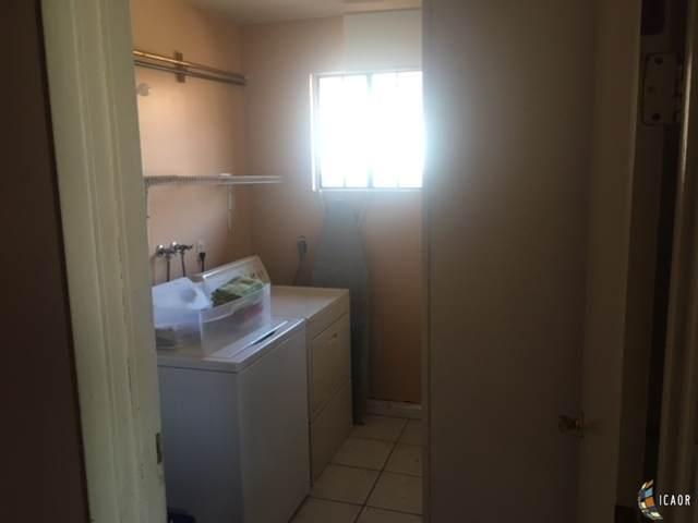 602 E M B Martinez St, Calexico, CA 92231 (MLS #21762238IC) :: DMA Real Estate