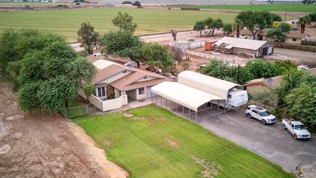 2761 Old Highway 111, Imperial, CA 92251 (MLS #20632098IC) :: DMA Real Estate