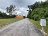 981 Waters Edge Drive - Photo 4