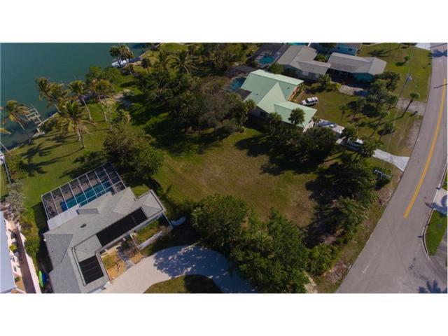 1393 Bayshore Drive, Fort Pierce, FL 34949 (MLS #199262) :: Billero & Billero Properties