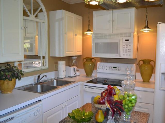 44 Vista Gardens Trail #206, Vero Beach, FL 32962 (MLS #204492) :: Billero & Billero Properties