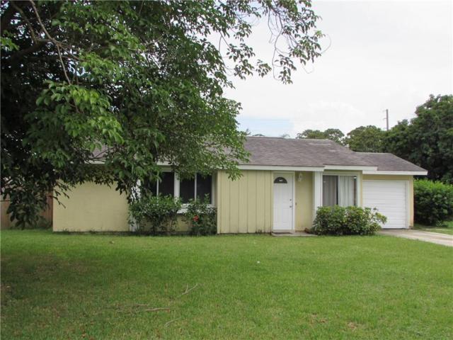 711 24th Place SW, Vero Beach, FL 32962 (MLS #207459) :: Billero & Billero Properties