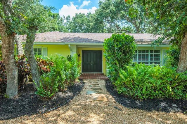 915 Tulip Lane, Vero Beach, FL 32963 (MLS #207597) :: Billero & Billero Properties