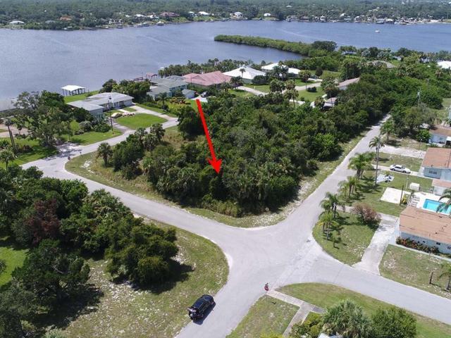 14425 78th Avenue, Sebastian, FL 32958 (MLS #208141) :: Billero & Billero Properties