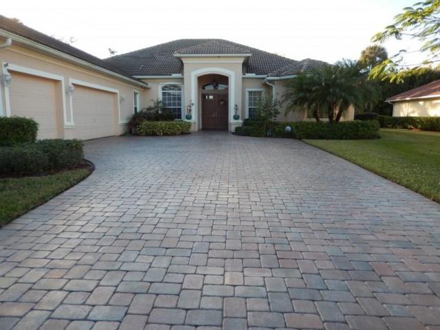 1705 Cassville Avenue, Vero Beach, FL 32966 (MLS #208360) :: Billero & Billero Properties