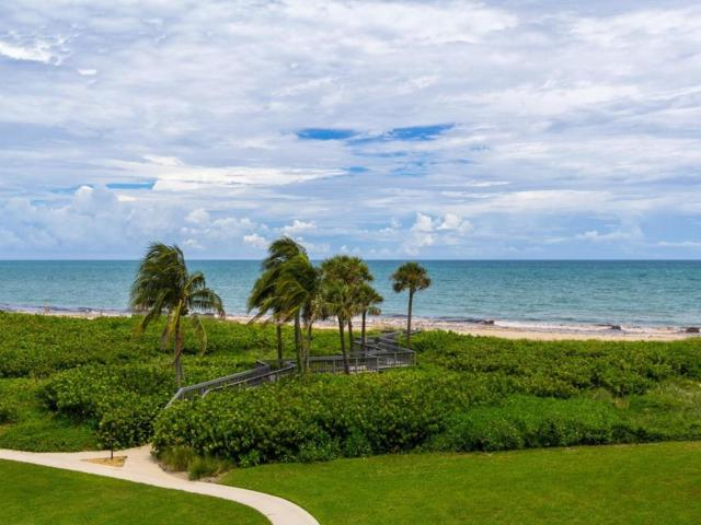 1250 W Southwinds Boulevard #313, Vero Beach, FL 32963 (#211655) :: The Reynolds Team/Treasure Coast Sotheby's International Realty