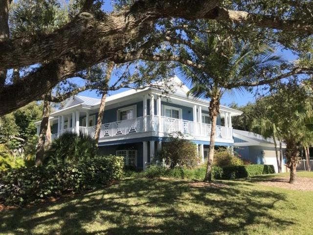 1036 Indian Mound Trail, Vero Beach, FL 32963 (#215507) :: The Reynolds Team/Treasure Coast Sotheby's International Realty