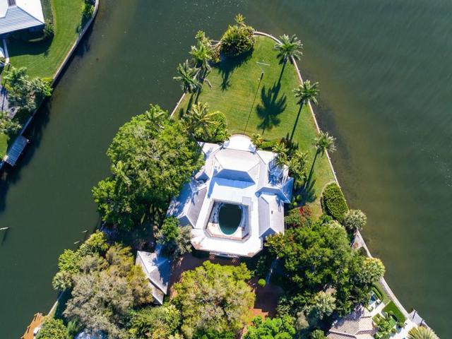 516 Bay Drive, Vero Beach, FL 32963 (MLS #219459) :: Billero & Billero Properties