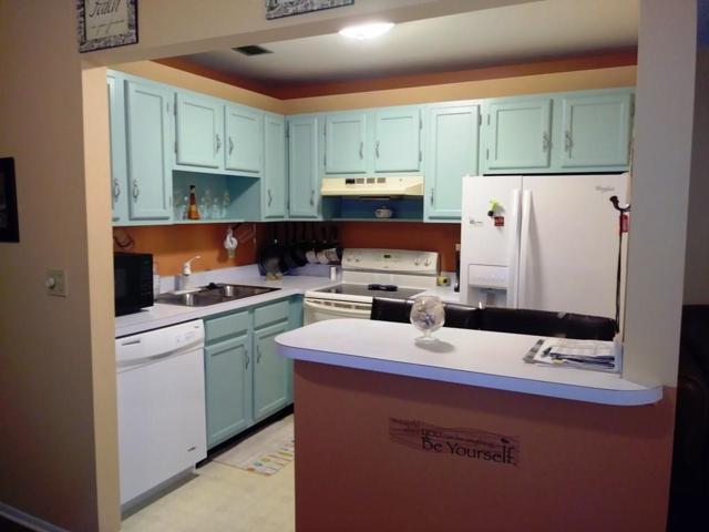 102 Royal Oak Drive #204, Vero Beach, FL 32962 (MLS #219694) :: Billero & Billero Properties