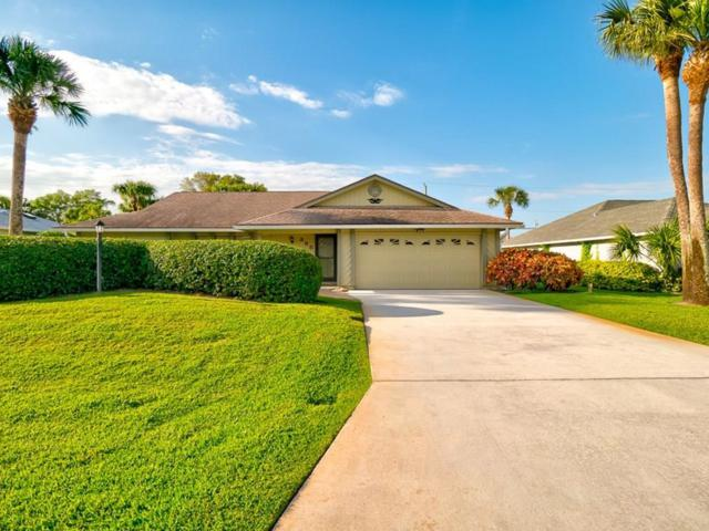 385 10th Street SW, Vero Beach, FL 32962 (#219738) :: The Reynolds Team/Treasure Coast Sotheby's International Realty