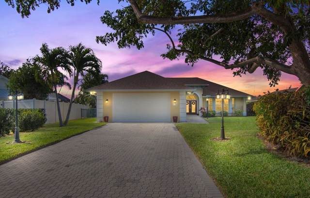 129 Queen Christina Court, Hutchinson Island, FL 34949 (#228995) :: The Reynolds Team/ONE Sotheby's International Realty