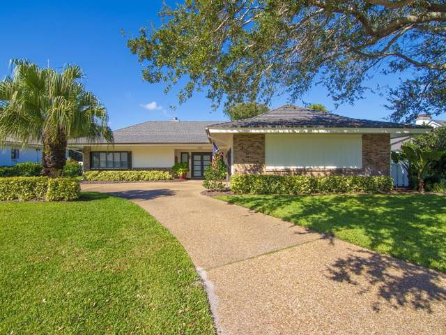 1780 Cedar Lane, Vero Beach, FL 32963 (#230275) :: The Reynolds Team/ONE Sotheby's International Realty