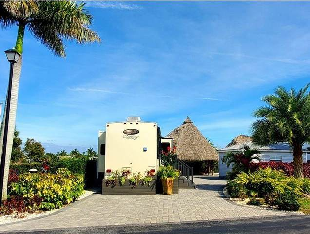 3716 7 Manor SW #208, Okeechobee, FL 34974 (MLS #230434) :: Team Provancher | Dale Sorensen Real Estate