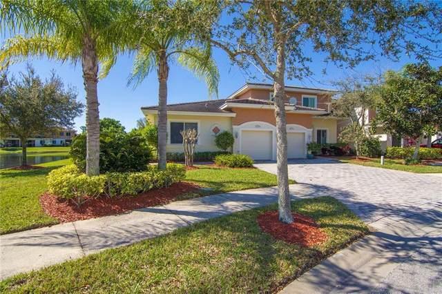 2527 Stockbridge Square SW, Vero Beach, FL 32962 (MLS #230617) :: Team Provancher | Dale Sorensen Real Estate