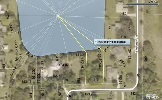 751 S Fischer Circle, Sebastian, FL 32958 (MLS #233063) :: Team Provancher | Dale Sorensen Real Estate