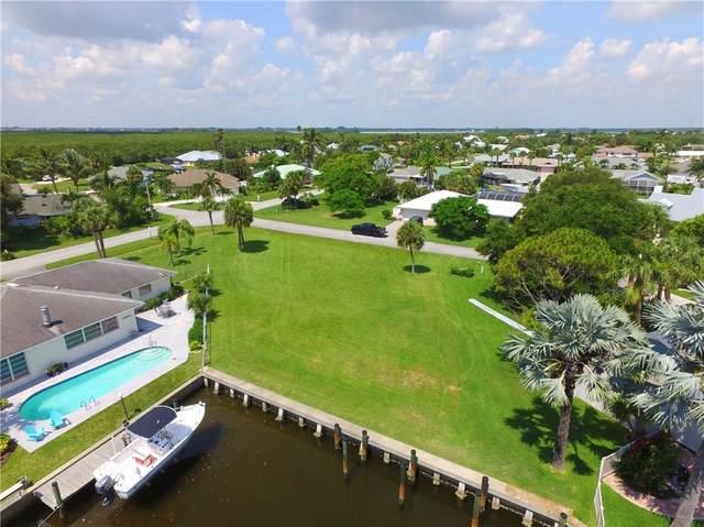 120 Queen Ann Court, Hutchinson Island, FL 34949 (MLS #234216) :: Team Provancher | Dale Sorensen Real Estate
