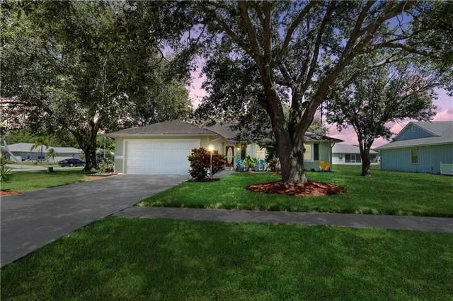 1114 9th Square, Vero Beach, FL 32960 (MLS #235811) :: Team Provancher | Dale Sorensen Real Estate
