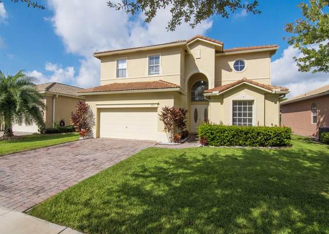 5711 Place Lake Drive, Fort Pierce, FL 34951 (MLS #235962) :: Team Provancher | Dale Sorensen Real Estate