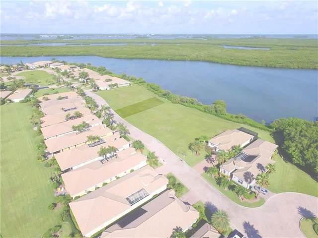 1924 Lynx Drive, Hutchinson Island, FL 34949 (MLS #236052) :: Billero & Billero Properties