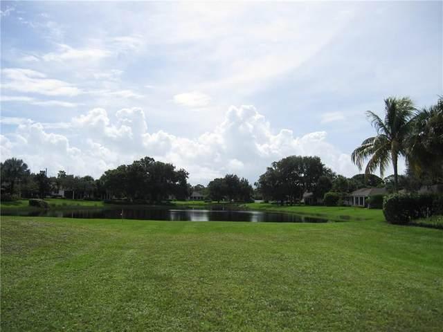 204 Oak Hammock Circle SW, Vero Beach, FL 32962 (MLS #236465) :: Team Provancher | Dale Sorensen Real Estate