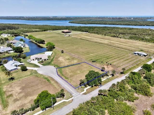 6910 28th Court, Vero Beach, FL 32967 (MLS #236479) :: Team Provancher | Dale Sorensen Real Estate