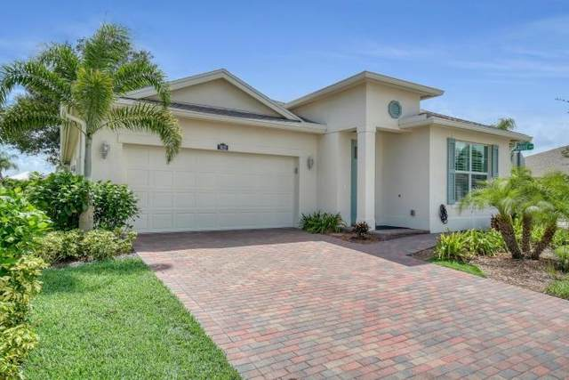 7425 Oakridge Place, Vero Beach, FL 32966 (MLS #236843) :: Team Provancher | Dale Sorensen Real Estate