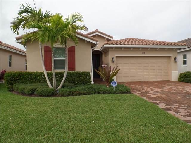 1811 Berkshire Circle SW, Vero Beach, FL 32968 (MLS #236869) :: Team Provancher | Dale Sorensen Real Estate