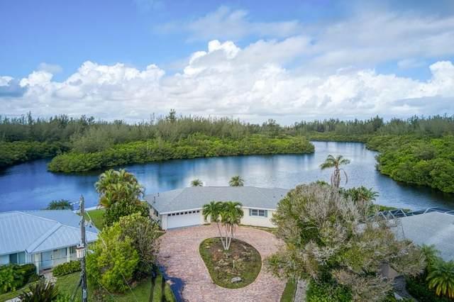 715 Shore Drive, Vero Beach, FL 32963 (MLS #237047) :: Team Provancher | Dale Sorensen Real Estate