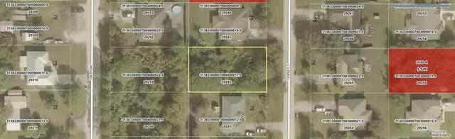 7965 103rd Court, Vero Beach, FL 32967 (MLS #237051) :: Team Provancher | Dale Sorensen Real Estate