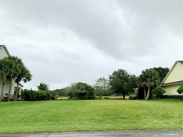 3970 Oak Hollow Avenue, Vero Beach, FL 32966 (MLS #237384) :: Billero & Billero Properties