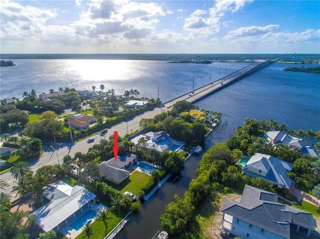 527 E Causeway Boulevard, Vero Beach, FL 32963 (MLS #238735) :: Team Provancher | Dale Sorensen Real Estate