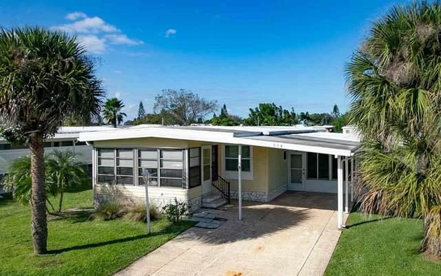 938 Wren Circle, Barefoot Bay, FL 32976 (MLS #238890) :: Team Provancher | Dale Sorensen Real Estate