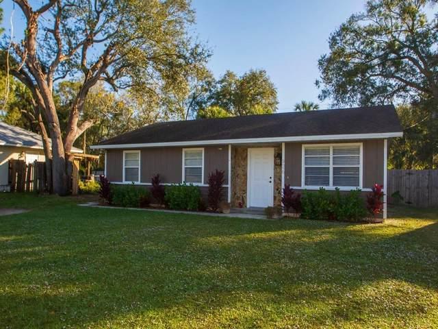 926 35th Avenue SW, Vero Beach, FL 32968 (MLS #239367) :: Team Provancher | Dale Sorensen Real Estate