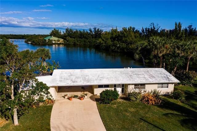 904 Jackson Way, Hutchinson Island, FL 34949 (MLS #239571) :: Team Provancher | Dale Sorensen Real Estate