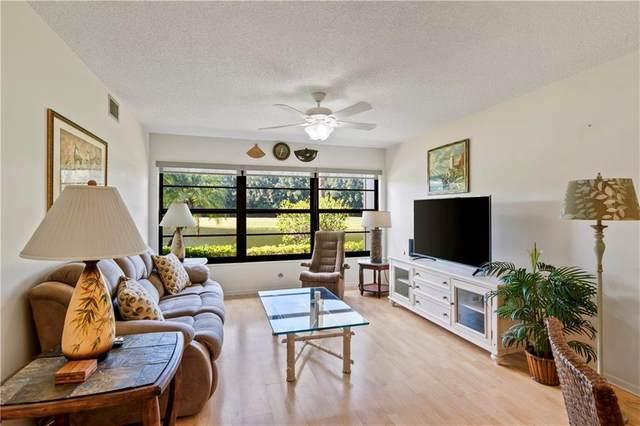 9 Plantation Drive #102, Vero Beach, FL 32966 (MLS #239579) :: Team Provancher | Dale Sorensen Real Estate