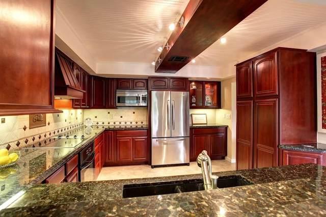 3450 Twin Lakes Terrace #201, Fort Pierce, FL 34951 (MLS #239608) :: Team Provancher | Dale Sorensen Real Estate