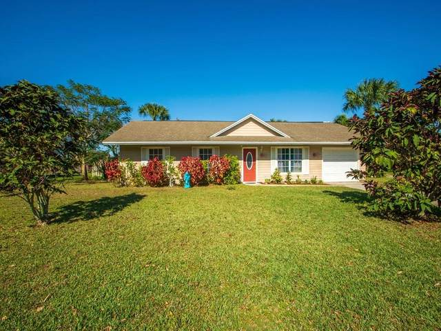 670 24th Place SW, Vero Beach, FL 32962 (MLS #239875) :: Team Provancher   Dale Sorensen Real Estate