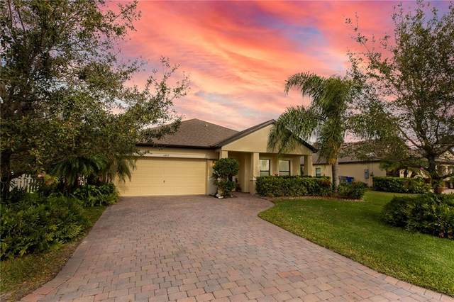 6007 Sequoia Circle, Vero Beach, FL 32967 (MLS #239882) :: Billero & Billero Properties