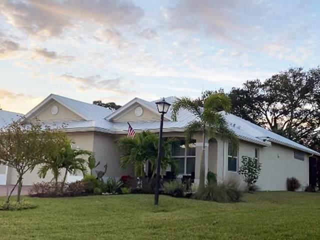 437 11th Square SW, Vero Beach, FL 32962 (MLS #240316) :: Team Provancher   Dale Sorensen Real Estate